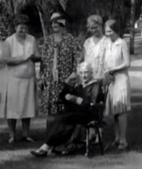 old women 3.jpg